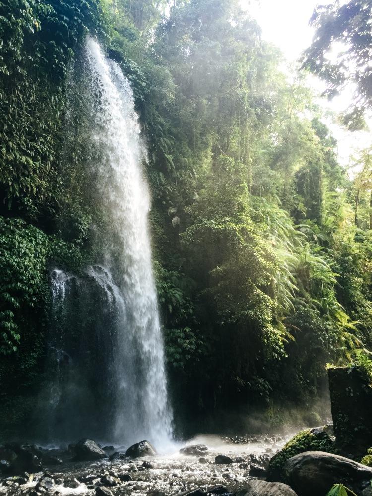 indonesia-senaru-waterfalls4